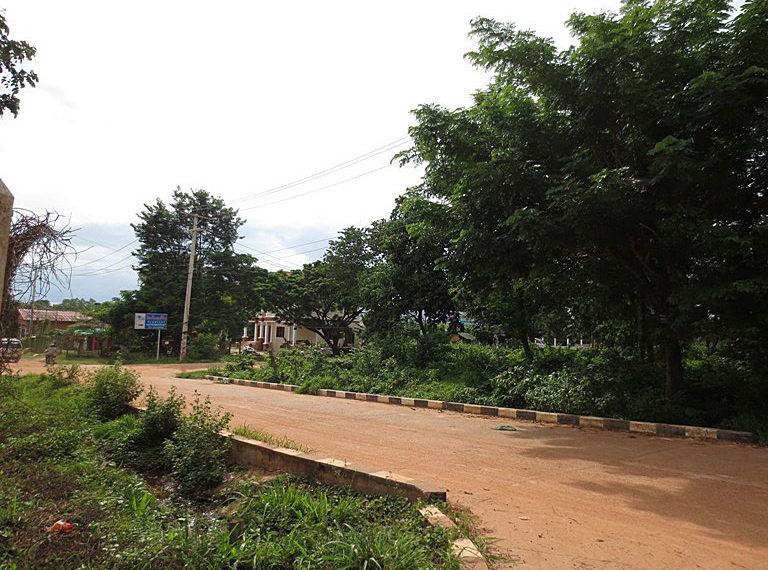Cheap land in Vientiane Capital (1)