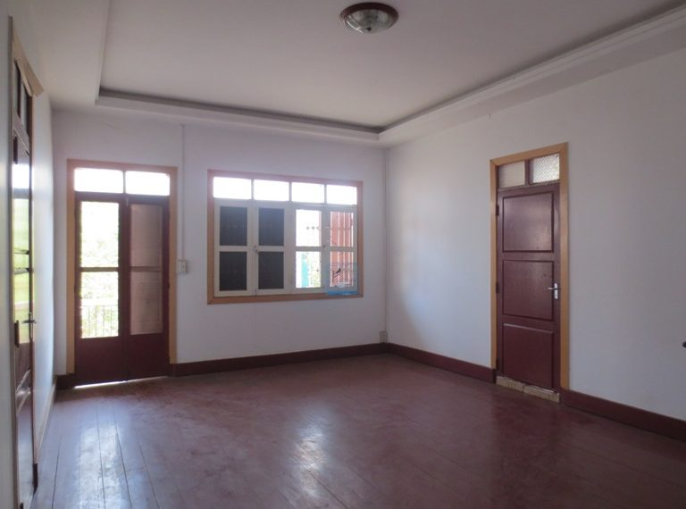 Houe For Sale (1)